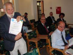 Wręczanie certyfikatów uczestnikom wygłaszającym referaty